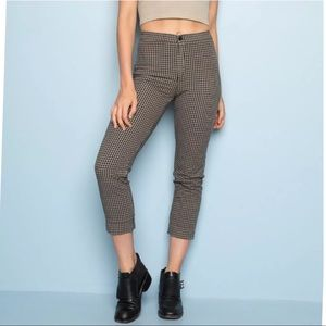 New Brandy Melville high waist cropped pants